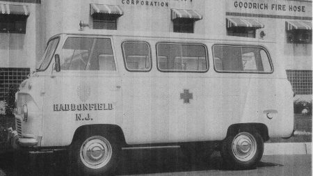1959-Ford-Thames-Ambulance-1959-1962