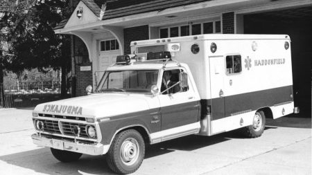 1974-Ford-Modulance-Ambulance-1975–-1980